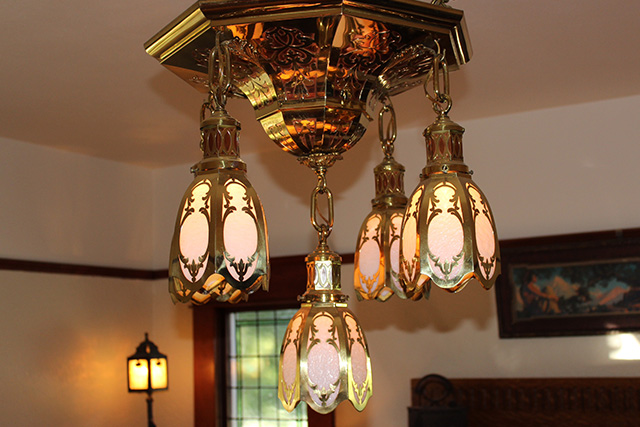 With Over Four Decades Of Running A Brick And Mortar Business, I Now Offer  An Outstanding Selection Of Antique And Vintage Lighting, Furniture And ...