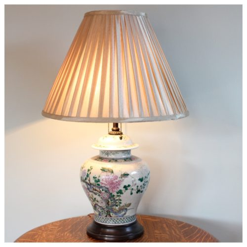 a7883 ginger jar table lamp best antique store seattle washington shop. Black Bedroom Furniture Sets. Home Design Ideas