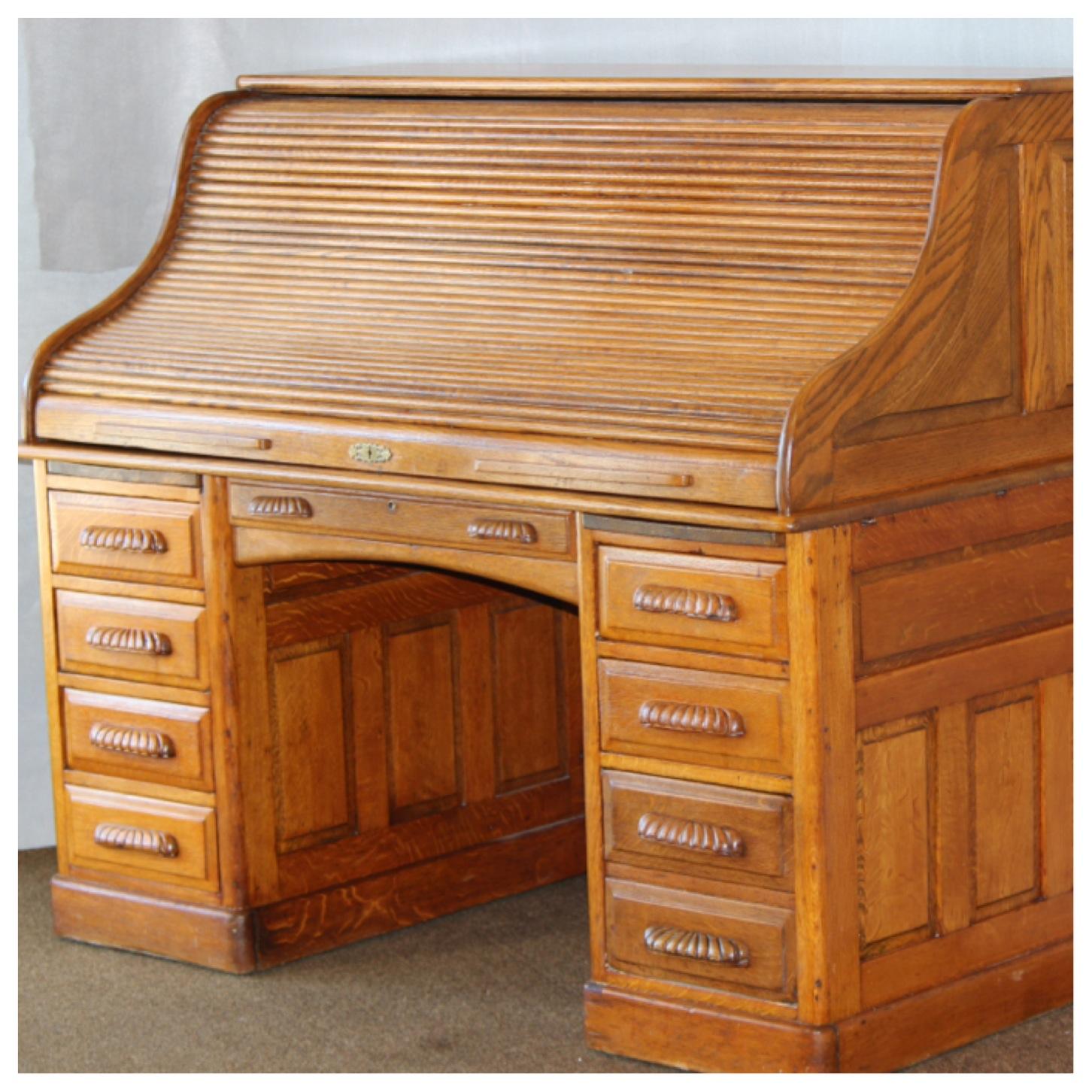 F3379 Oak Rolltop Desk