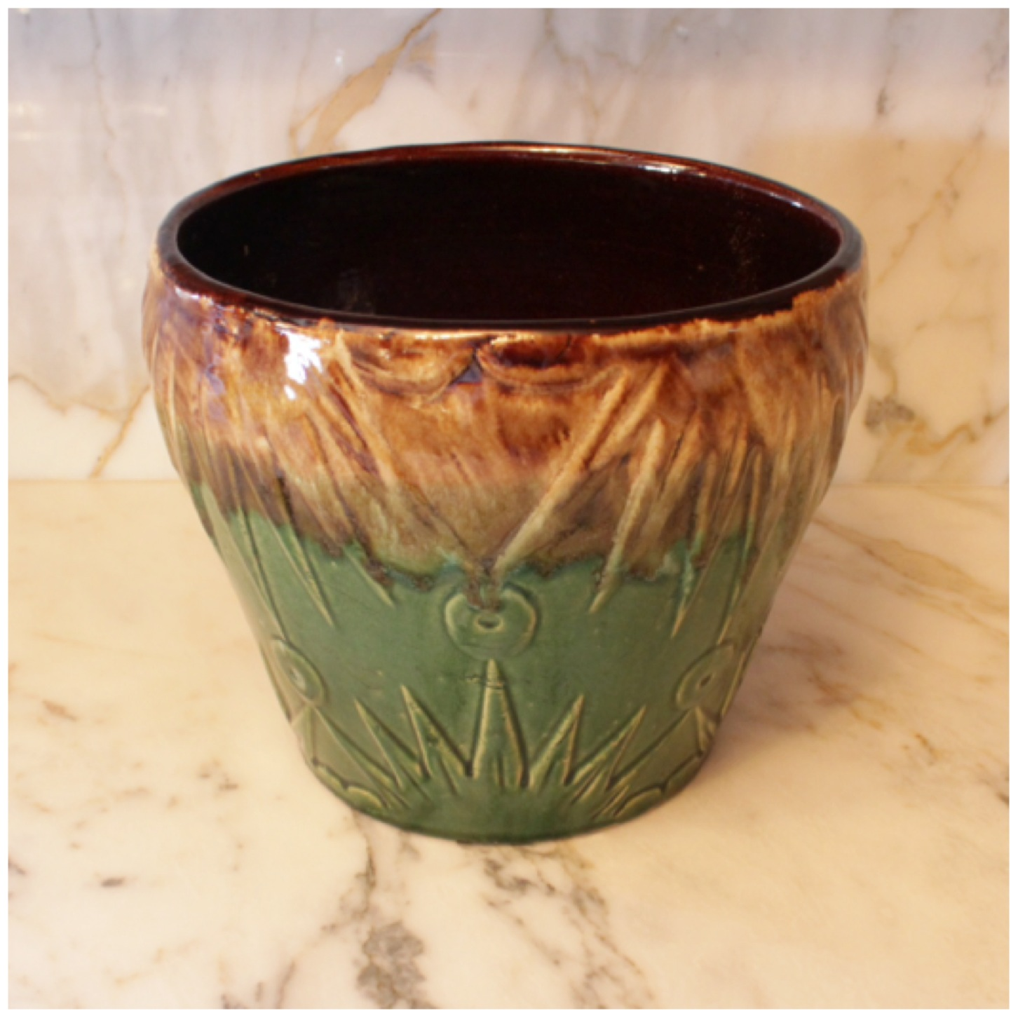 M6565 Roseville Pottery Jardiniere